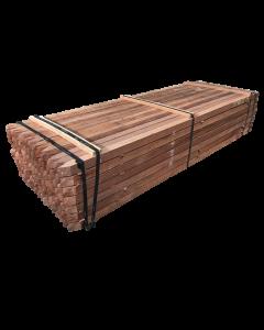 Hardhouten palen fijnbezaagd voor schutting 60 x 60mm x 2500mm met punt